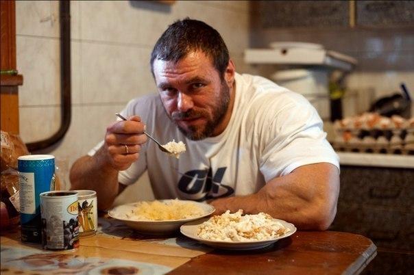 Почему после еды не рекомендуется выполнять тяжелую мышечную работу